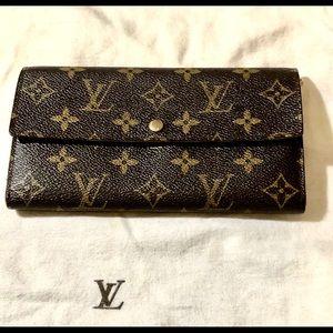 Authentic Louis Vuitton Sarah Portefeulle